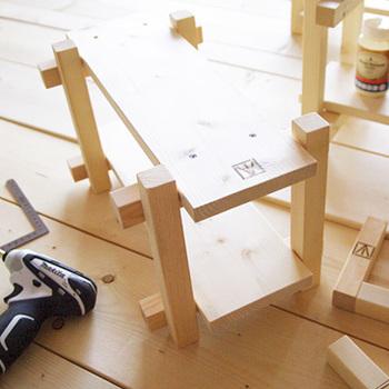 自分で作る家具だからこそ愛着がわきますし、好みにカスタマイズできるのも魅力ですね。「MaKeT」の手作りキットの通信販売で、世界に一つしかないオリジナル家具をつくってみませんか?