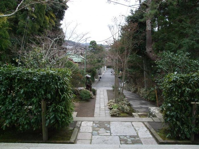 扇ヶ谷の一番奥まった場所にある「海蔵寺」。