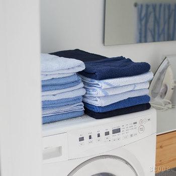 綺麗に積み上げられた姿も爽やかで美しい。日用品であるはずのタオルなのに、なぜか生活臭を感じさせません。見ていてなんとも心地良いですね。