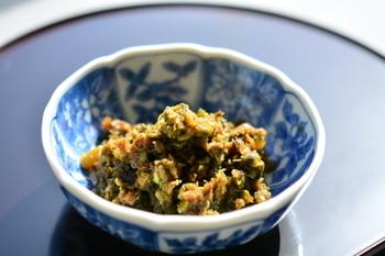 こちらは味噌ではなく、めんつゆで甘辛く煮あげた佃煮。ごはんが進む味ですよ。