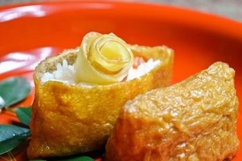 シャリシャリと歯触りの良いリンゴがアクセント! 買い置きのリンゴをご飯と一緒に。