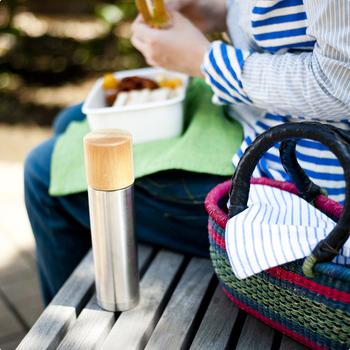 ランチタイムやピクニックはもちろん、お弁当作りの時間まで楽しくなってしまいそうな、お弁当箱と魔法瓶。是非あなたの日常にも取り入れて、毎日のお弁当タイムをより素敵なものにしてみてはいかがでしょうか?