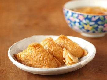甘くて美味しいお稲荷さんの皮「油揚げのふくめ煮」レシピ。 多めに作って、余った分できつねうどんも美味しく作れます。