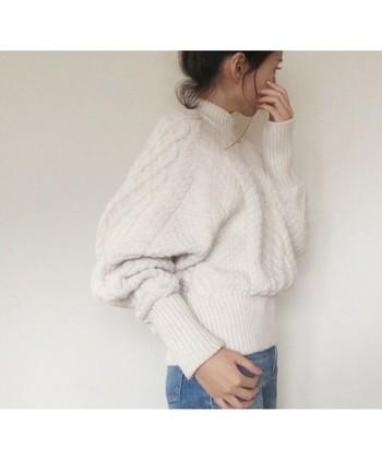 冬に白を纏う。この時季だから挑戦したいホワイトコーデで身軽な私を手に入れる