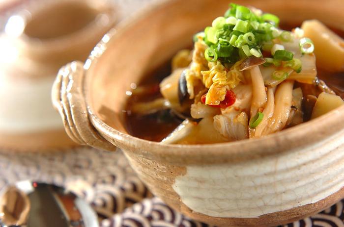 白菜にシジミの旨味をたっぷりと吸わせた滋味溢れる一品。ミネラル類などスープに溶け出す栄養素もあるので、味噌やニンニクが香るスープまで全部食べたいですね。