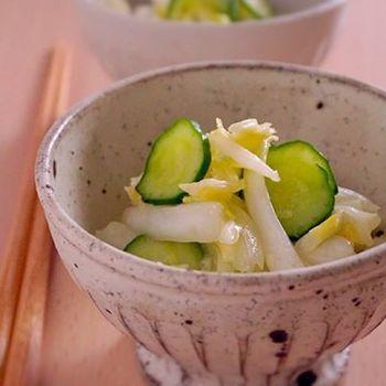 棒切りにした白菜で作る和風コールスロー。ピリッと効かせる柚子胡椒が美味しそうですね。冷蔵庫で4日間保存可能なので、好きな野菜もプラスしてたくさん作りたくなりそうです。