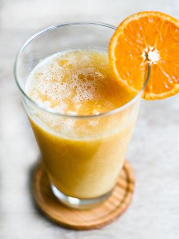 白菜は水分が多く、ビタミンCも含んでいるので、実はジュースを作るのにぴったりなんです。みかんやグレープフルーツ、生姜を加えて風邪対策として飲むのがおすすめです。