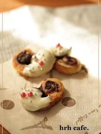 ■ハートチョコパイ くるくる丸めてハート型に♡まさにバレンタインにピッタリですね。 シンプルなパイならデコレーションも自在で、手軽に自分好みのパイが作れますよ。