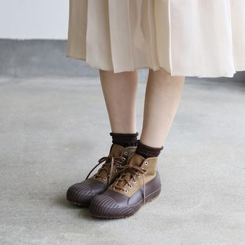 ぺたんこ靴でも、足長に見えるコーディネートを紹介しました。みなさんの参考になれたでしょうか?ナチュラル派さんにとって、1年中、仲良しなぺたんこ靴。コーディネート次第で、スタイルも良く見せて、バランスのとれたおしゃれを楽しむことができますよ♡