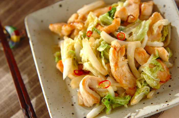 シャキシャキの白菜と、しっとりとした鶏肉の食感が楽しめる一品です♪