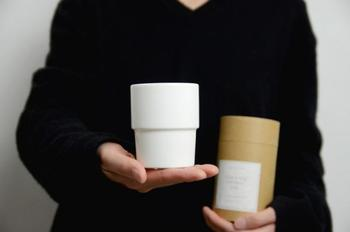 手のひらに収まる程よいサイズ。パッケージも茶筒のようなデザインでかわいい!ギフトにも最適ですね。