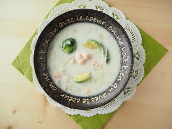 ■芽キャベツとたらこのミルクスープ ミルクベースとの相性は抜群です! こっくりとした舌触りのスープとよく合います。