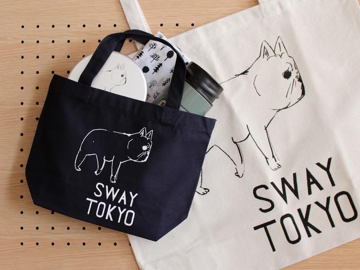 """""""SWAY TOKYO""""は、ちょっぴり情けなくて、でも思わず頬がゆるんでしまうフレンチブルドッグが描かれています。"""