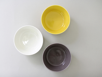 サラダやスープ、また、シリアルやヨーグルトなどのデザートにもぴったりのSサイズ。 和食では小鉢としても活躍してくれそう。