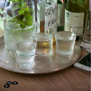 ワイングラスとしてはもちろん、日常使いの小ぶりなタンブラーとしても活躍する便利なサイズ。ドリンクだけでなく、ゼリーなども涼しげなデザートにもマッチします。