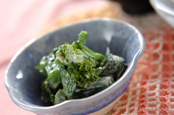 ■菜の花のワサビマヨ和え ワサビのツンとした風味が、菜の花の苦味によく合います。 マヨネーズを加えて、食べやすく。