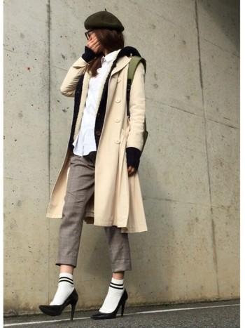 綺麗にヒールを履きた~い!!という日は、きつい印象にならないよう靴下×ヒールのコーデが◎