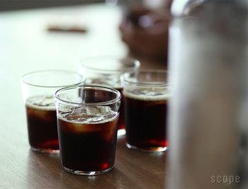 氷を入れてカクテルを作ったりするような飲み物にも十分活用できる容量があり、かといって大き過ぎる事もない絶妙なバランス。一つで何もかもカバーし、便利に使うのならこの「タンブラー」がオススメです。丈夫で割れにくいのも嬉しい。