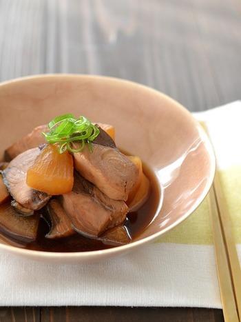 【醤油:酒:砂糖:みりん=1:1:1:1】 かぼちゃの煮物や肉じゃが、ぶり大根など、和食の煮物全般に使える黄金比率です。これは便利!