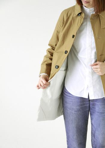 しっかりとしたホースクロスに丁寧な縫製を施して仕上げられたコートは、着込むほどに体に馴染み風合いが出て、愛着のある一枚になっていきます。