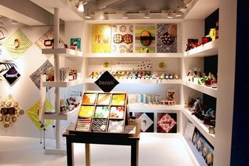 「bento(弁当)」は、手拭い専門店「nugoo(拭う)」から2015年9月に誕生したお弁当包み専門布です。