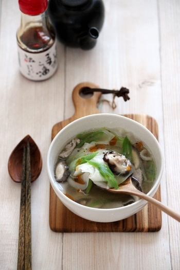 ワンタンもスープをおかずスープにランクアップさせてくれる食材。入れるだけで手軽なのも嬉しいですね。