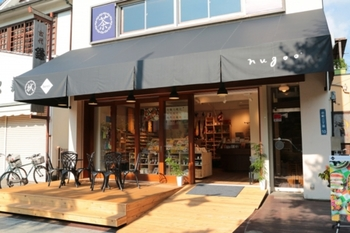 鎌倉市にある「nugoo二の鳥居店」は食をテーマにしており、「bento」をメインに、陶器や書籍などを展開しています