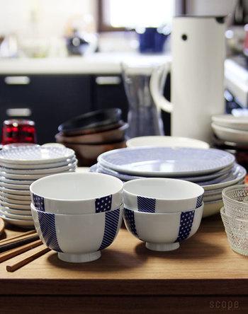 こちらも、「花茶碗 土灰」と同じ、大小2サイズ展開です。 小サイズは女性に、大サイズは男性や、ちょっとした丼ものにどうぞ。