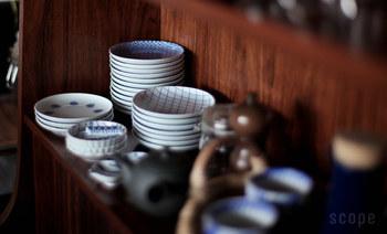 お客さまが来て多人数でご飯を食べる時も、小皿がたくさんあると安心ですね。