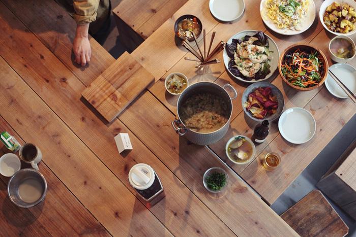 不定期でトークイベントやワークショップも行っているようです。画像は、「自分たちが食べたいもの、食べてもらいたいものを、食べたい分だけ作って、みんなで食べる。」をコンセプトに行われた「作りほうだい」というイベントの時のもの。食を通じて人とつながれるってステキですね。