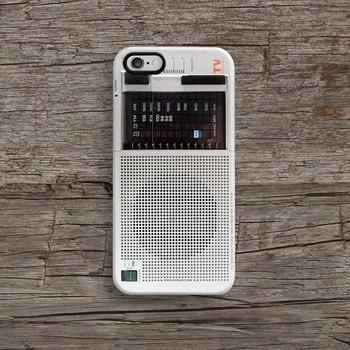 ぱっと見「ラジオ?」と思ったら、実はスマホケース!遊び心のあるデザインが素敵です。