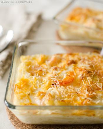 熱いところをふうふうしながら食べるクリーミーなグラタンは、まさに至福!ブロッコリーで彩りを加えたり、秋には栗を入れてみたり、アレンジも色々できますよね。