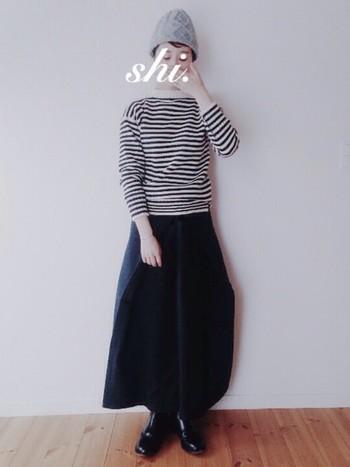 ガーンジーニットならボリュームのある巻きスカートもすっきり着こなせます!