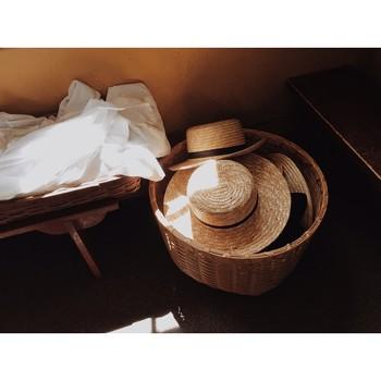シェーカー教徒が作る手編みのバスケットや、ボックスたちは食品や衣類などの様々な収納のために使われていました。