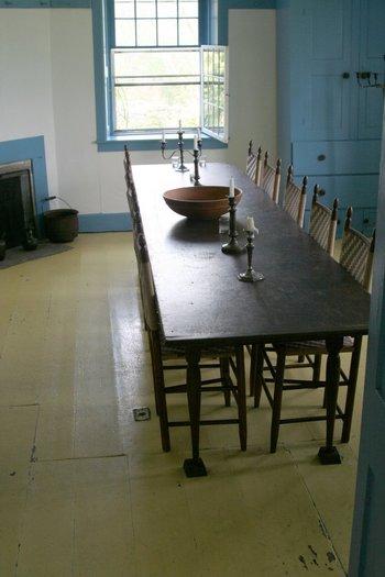 質素で倹約な暮らしを重んじていた、シェーカー教徒たちは自分たちで作った作物を食べ、規則正しい食生活をしていたに違いないでしょう。