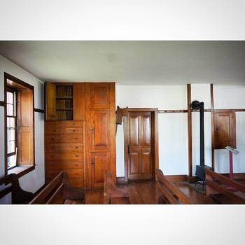 労働によって高い精神性を保てると信じていたシェーカー教徒の作る家具は、一つ一つ細部にまでこだわって丁寧に作られています。