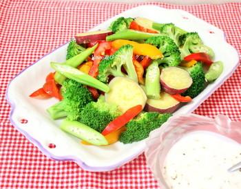 いかがでしたか?サラダとして添えるだけでも彩りが明るくなる温野菜。色々なアレンジレシピに挑戦してみてくださいね。