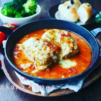 【熱々とろ~り♪トマトロールキャベツグラタン♪】  ロールキャベツをコトコト煮込んでチーズを振りかけてトースターへ。ボリュームたっぷりのアツアツグラタンを召し上がれ♪