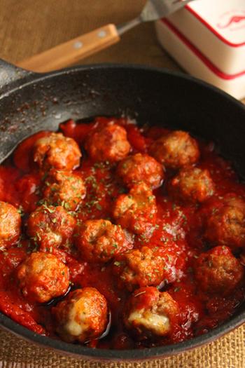 【お弁当にも♪こども大好き!チーズinミートボールの甘口トマト煮】  お子様に人気のミートボール。お弁当にもピッタリです。