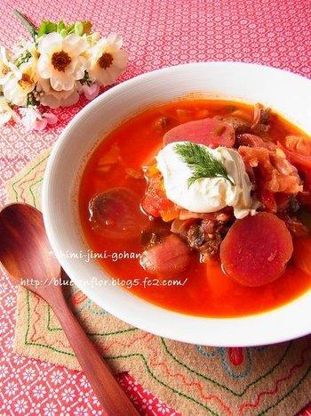 【ボルシチ】  ふうふう言いながら食べたいボルシチ。一見手が込んでいそうですが、トマト缶や圧力鍋を使うと時短で簡単にできますよ。