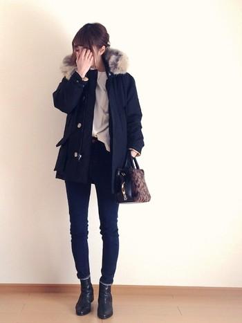 シンプルなコーディネートも、冬はコートが顔になります。だから、コートはとっておきのを選びたいですね。素材にも、シルエットにもこだわって、「これだ!」という一枚を心行くまで探しにいきましょう。