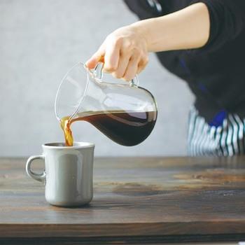 ぽってりとした厚み、ゆるやかなフォルム、柔らかな口当たりが心地よい、オリジナルのマグカップ。ゆったりとしたコーヒー時間を過ごすには、こんなマグカップはいかがでしょう?