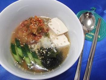 安いのでよく親しまれているスンドゥブ。こちらは冷製スンドゥブのレシピです。冷製だと夏場などでも楽しめますよね。