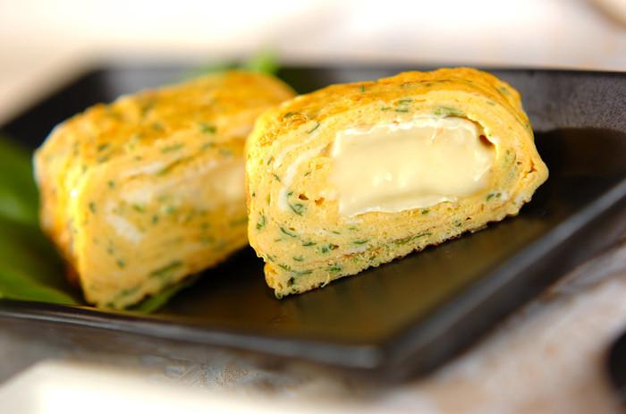 カマンベールを入れたちょっと贅沢な卵焼き。チーズが柔らかいうちが一番おいしいそうなので、出来立てを味わってみましょう!