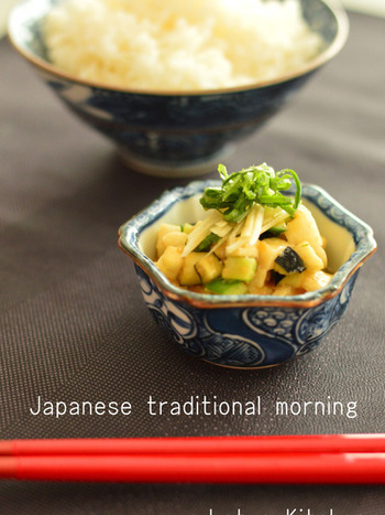 しょうゆ麹「なちゅこ」を使って、うま味が引き立つごはんのおとも。野菜のおともは、食卓の彩りも鮮やかになるので一品あると重宝します。