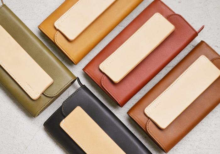 落ち着いたキレイなカラーは、どれも使いやすい色味。普段選ばないカラーを小物で取り入れてみてはいかがでしょうか。