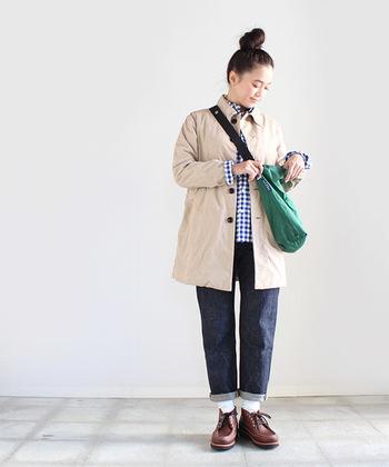 シンプルだけどこだわりのあるmaillot(マイヨ)のダブルクロスコート。何気ないスタイルの中に、品の良さが漂います。