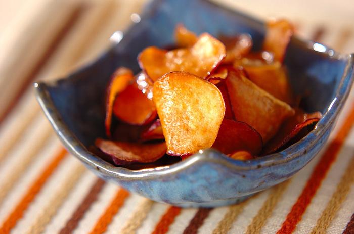 お手軽に野菜チップスができてしまいます。お子様のおやつにも♪ 材料は、さつまいも、塩、揚げ油