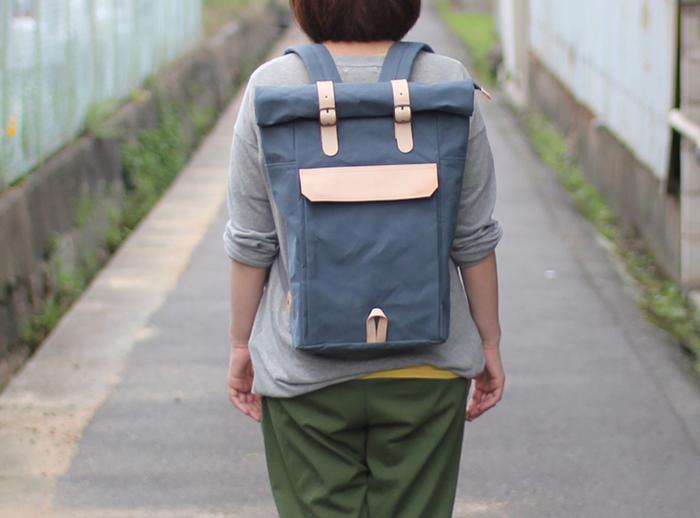 ファクトリーブランド「6SHiKi」は、帆布バッグにありがちな和テイストやミリタリーにとらわれず、シンプルでアクティブなリュックやメッセンジャーバッグなどを提案。