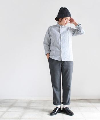 ■saro maillot│Sunset Stripe B.D. Shirts(ストライプB.D.)  ストライプのボタンダウンシャツは、きちんと感がありながらも、洗いざらしの風合いでナチュラルにも着こなせます。きれいめのパンツを合わせてお仕事に、デニムを合わせて普段着に。さまざまなシーンで着回せるのがうれしいですね!